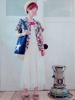 女性 スカート シャツ コーデ