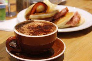 カフェ トーストとコーヒー