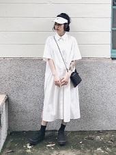 スカートスタイル サンバイザー 女性 コーデ