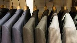 スーツ シャツ 服装
