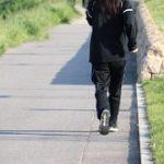 早歩き 健康効果 コツ