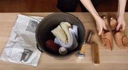 スエード靴を洗う道具