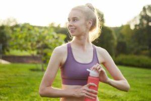 女性 スポーツ ボトル