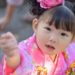 七五三【女の子(3歳)の髪型まとめ】おすすめの髪飾りは?