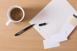 コーヒー 紙とペン