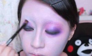 魔女メイク 紫 ピンク アイシャドウ