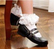 白の靴下 黒の靴 レースの靴下