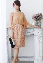結婚式 くすみピンク 女性 服装